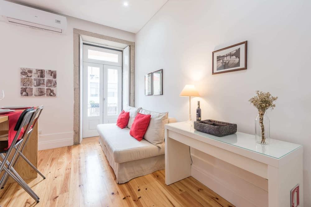 Basic apartman, 1 kétszemélyes ágy és egy kihúzható kanapé - Szoba