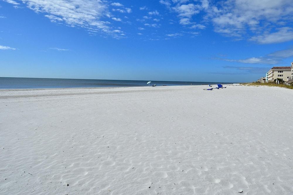 House, Multiple Beds (Sea Esta Pool Home NEW Beautiful upda) - Beach
