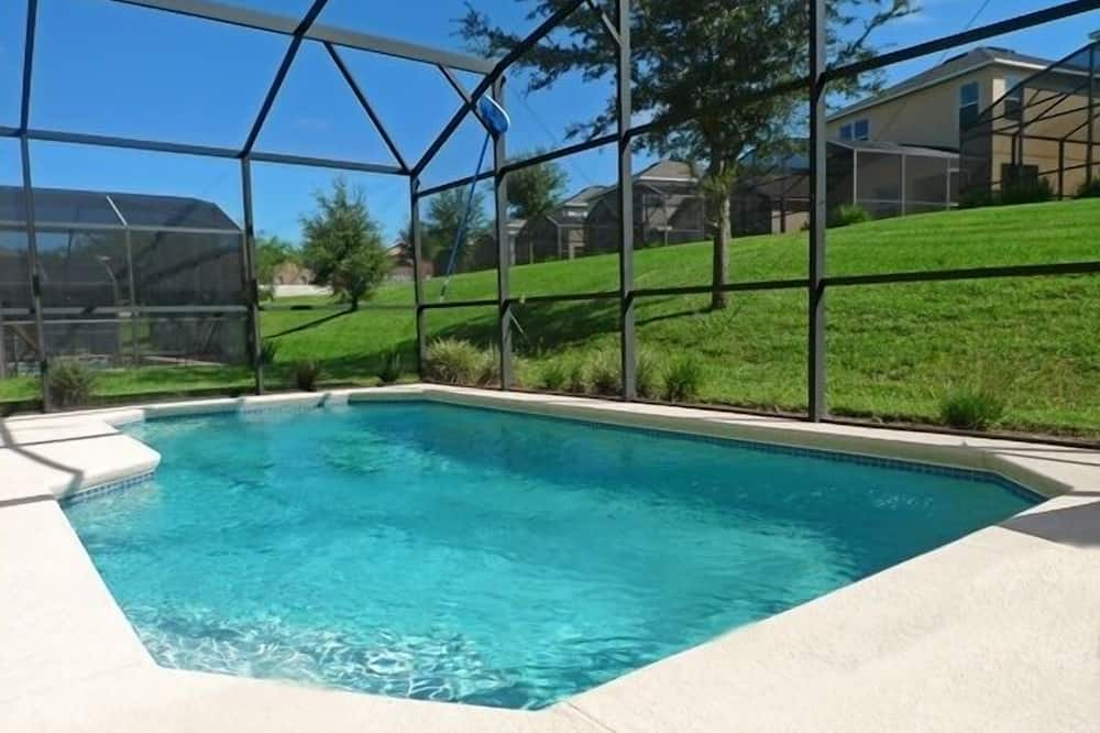 Southern Charm /southern Dunes Home 4 Bedroom Home, Haines City