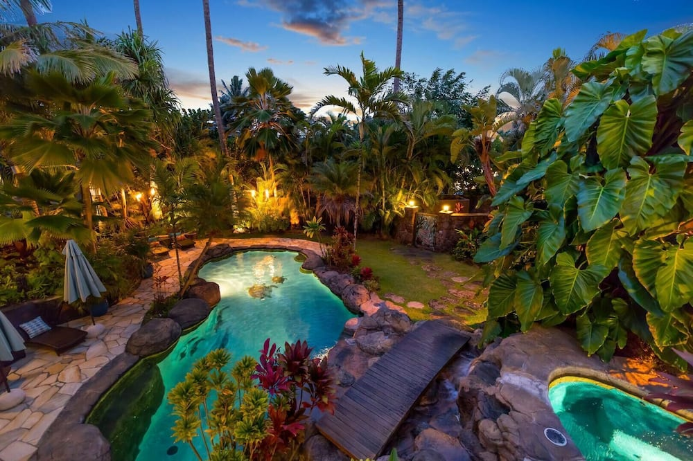 House, Multiple Beds (Palione Papalani - Steps from Kailua ) - Pool