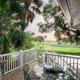 House, Multiple Beds (Twin Oaks - Sweet Tea) - Balcony