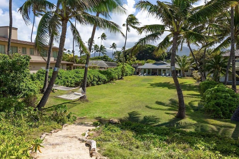 Hale Oahu Villa - Kailua Coastal Beachfront House