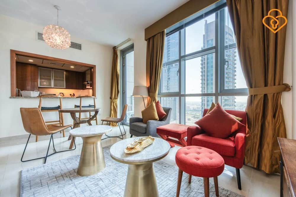 Apartment, 1 Bedroom (Unit 2105) - Living Area