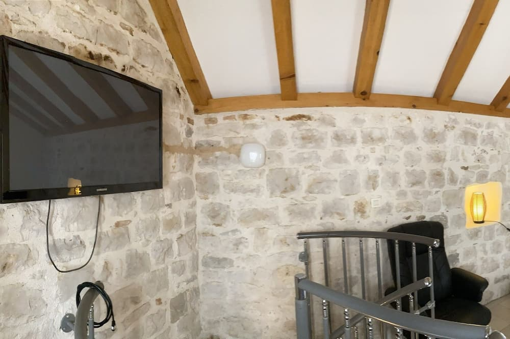Old Town Lorenco Apartment for 2