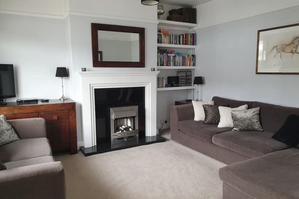 Kuća, Više kreveta - Dnevna soba