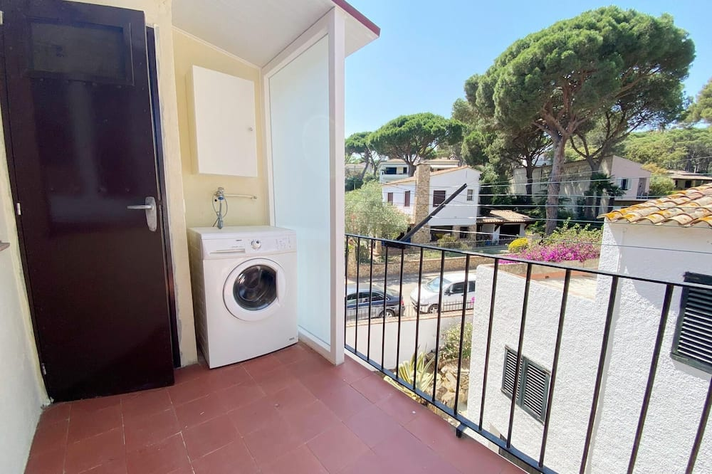 Apartment (3 Bedrooms) - Laundry