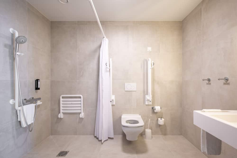 ห้องสแตนดาร์ดดับเบิล, พร้อมสิ่งอำนวยความสะดวกสำหรับผู้พิการ - ห้องน้ำ