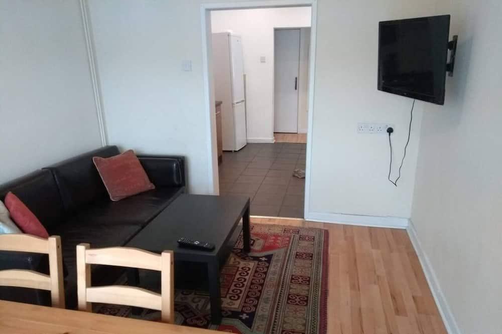 Dom, viacero postelí - Obývačka