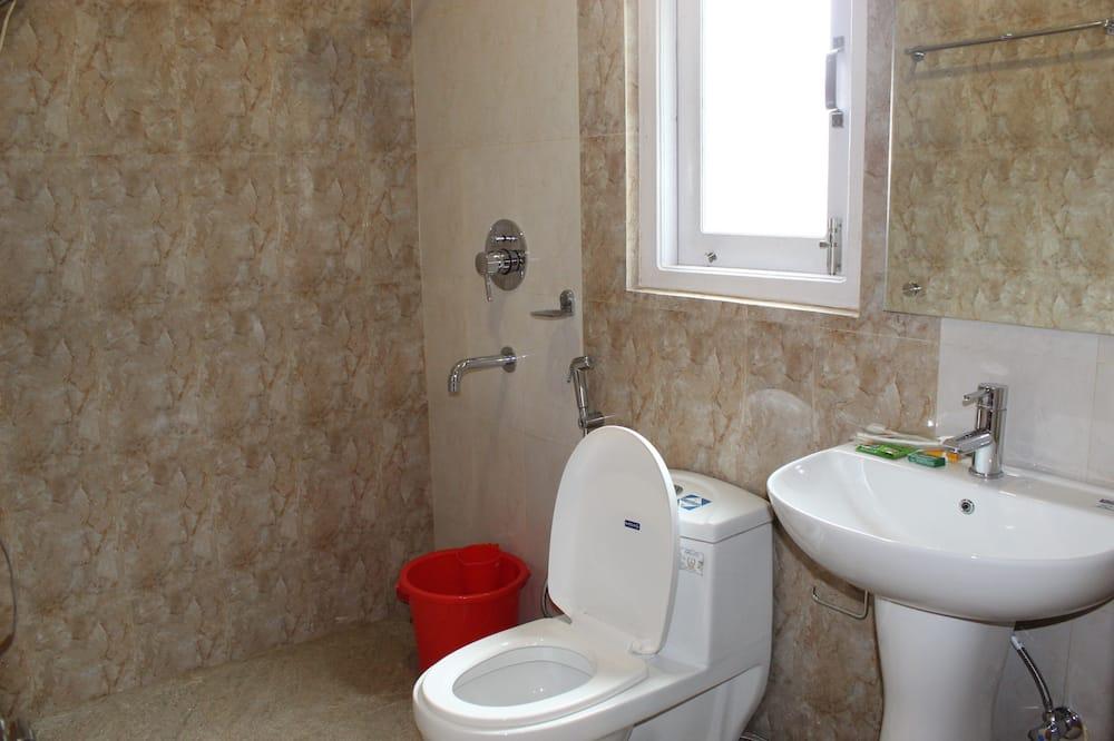 Kambarys verslo klientams, vaizdas į kalnus - Vonios kambarys