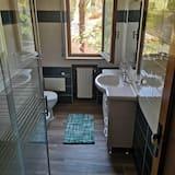 Apartmán, 2 ložnice, balkon - Koupelna