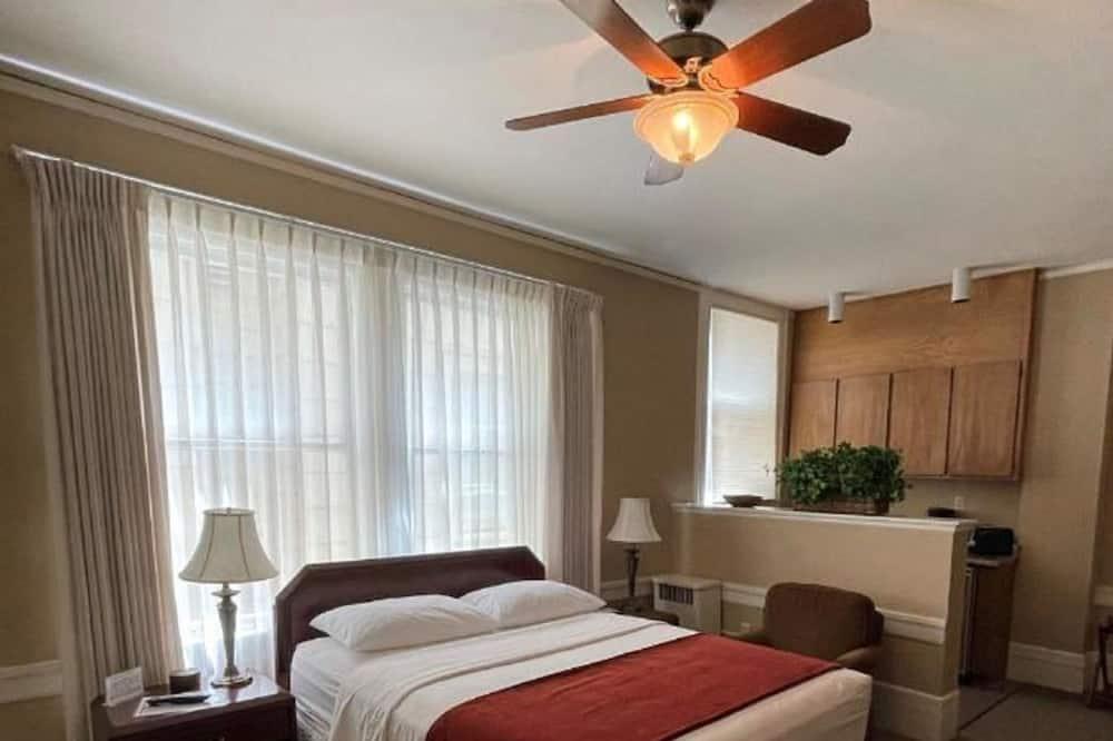 ซิกเนเจอร์สตูดิโอ, เตียงควีนไซส์ 1 เตียง - พื้นที่นั่งเล่น
