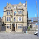 The Stromness Hotel by Paymán Club