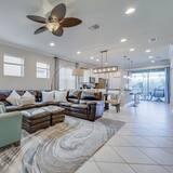 Beautiful Home Windsor At Westside Resort! 5 Bedroom Home