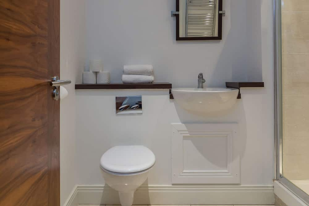 Deluxe Apartment, Private Bathroom (One Bedroom) - Bathroom