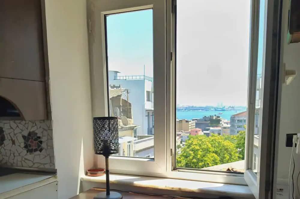 Terrace Apt with Hagia Sophia/Golden Horn Views