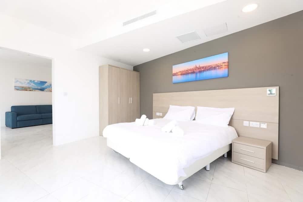 Seaview Spacious Apartment Sleeps 4