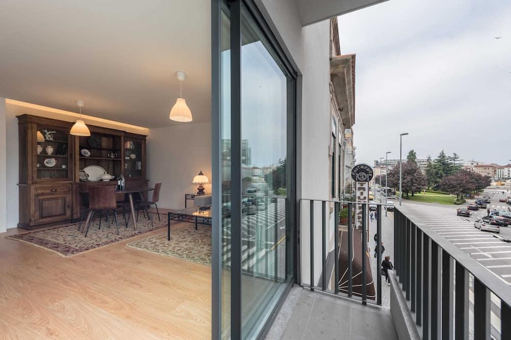 Апартаменты базового типа, 2 двуспальные кровати - Балкон