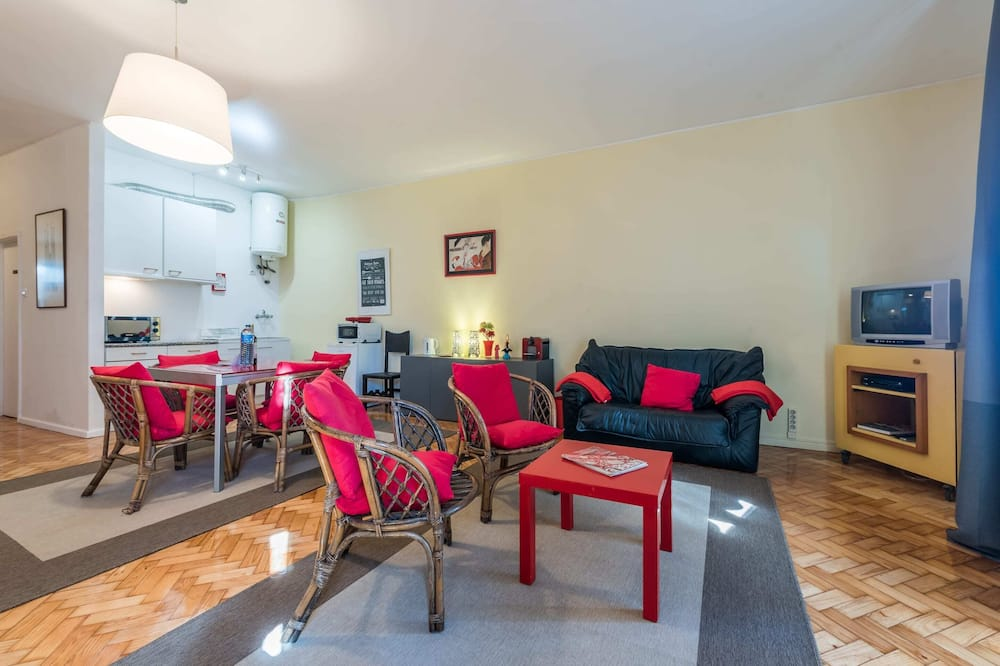 Apartemen Basic, Beberapa Tempat Tidur - Ruang Keluarga
