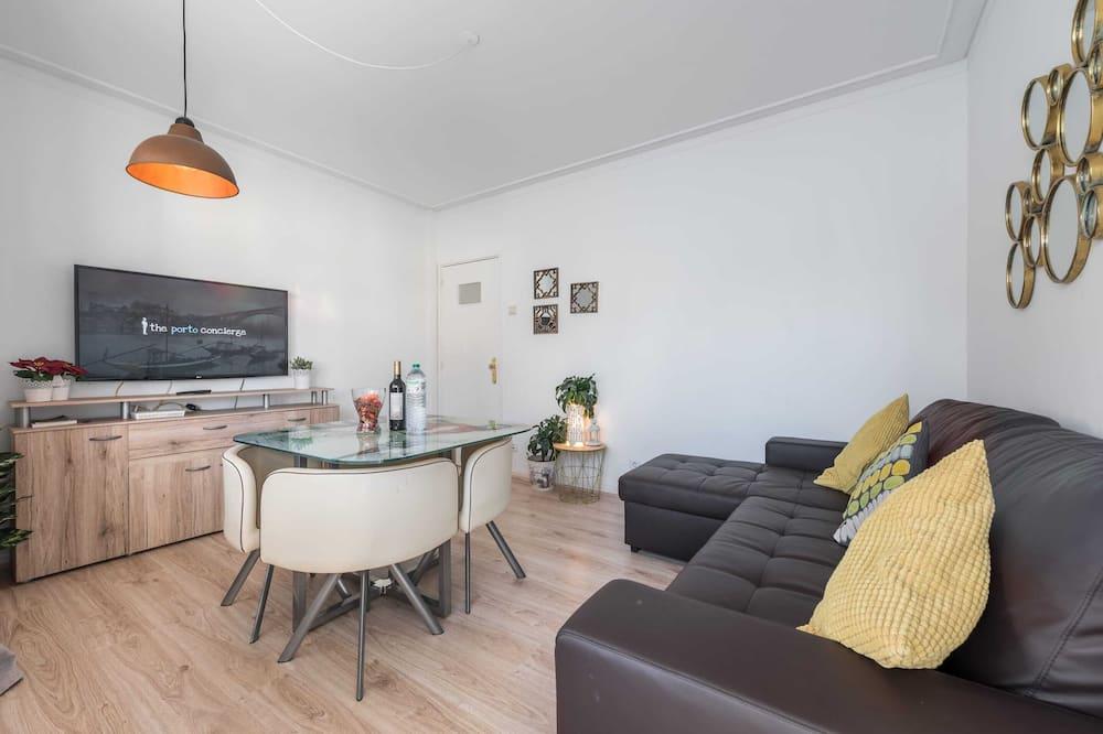 Apartemen Basic, 1 Tempat Tidur Double dengan tempat tidur Sofa - Ruang Keluarga