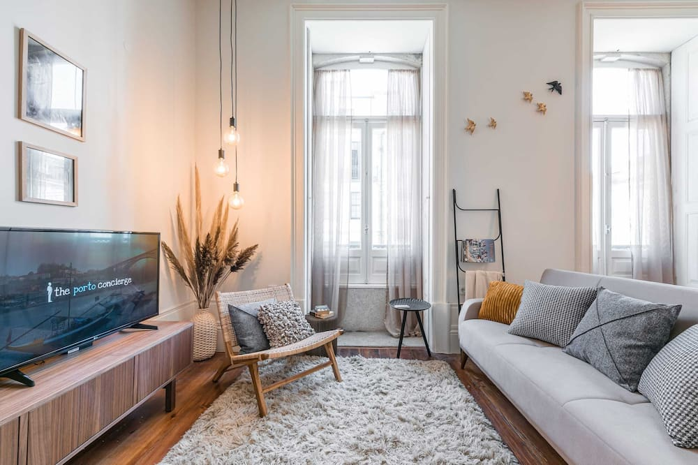 Basic Apartment, 1 Double Bed with Sofa bed - Living Room