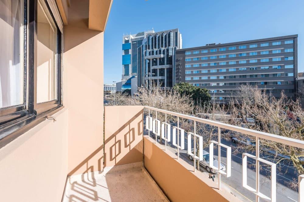 Apartamento básico, varias camas - Balcón