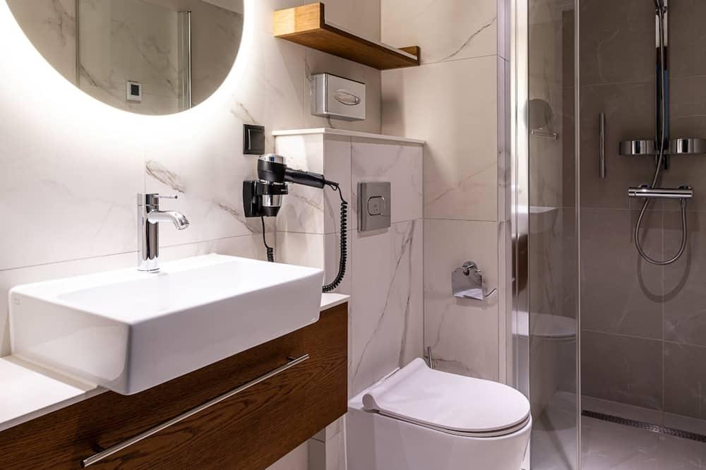 Classic Twin Room - Bathroom