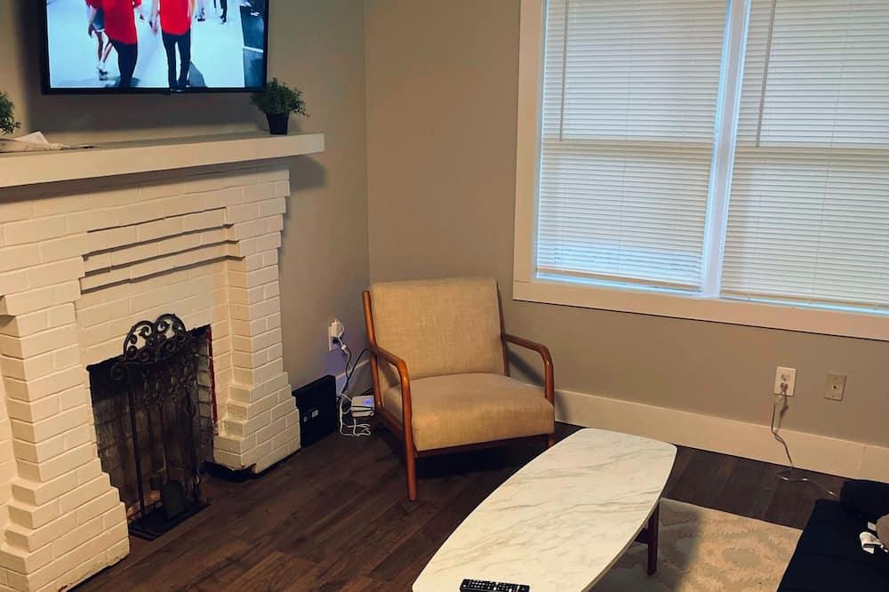 Nhà tiện nghi đơn giản, 3 phòng ngủ - Khu phòng khách
