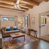 Dom (Casa de Lorenzo - Spacious Yard with ) - Salon