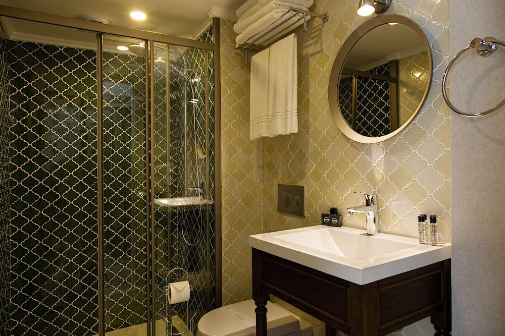 ห้องดีลักซ์ทริปเปิล, ระเบียง, วิวทะเล - ห้องน้ำ