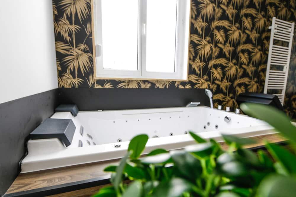 Lägenhet - bubbelpool - Badrum