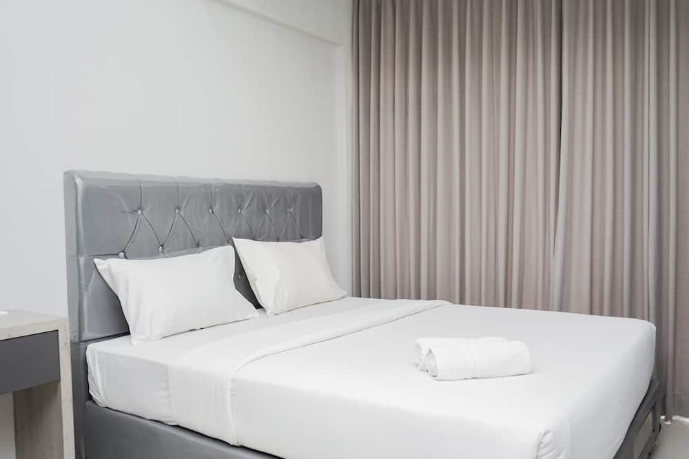 Fully Furnished with Comfortable Design Studio Majestic Point Serpong Apartment