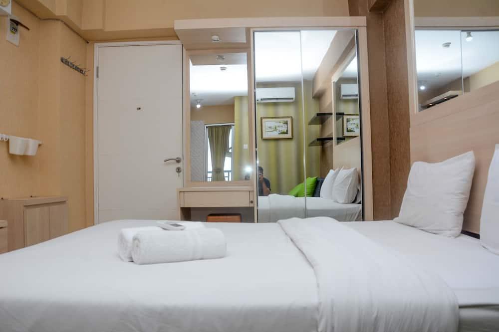 Comfort and Spacious Studio Room Bassura City Apartment