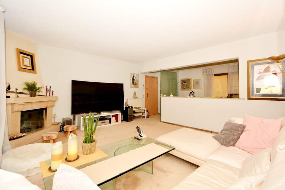 Beautiful 2-bed Apartment in Vouliagmeni