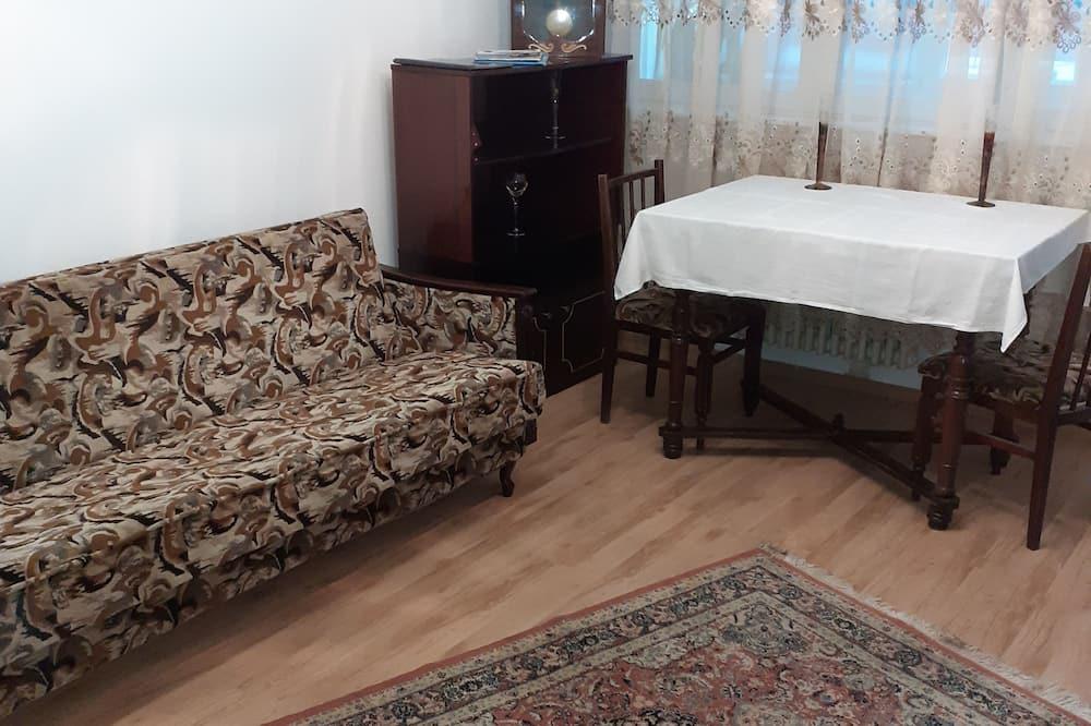 Huoneisto, 2 parisänkyä - Olohuone