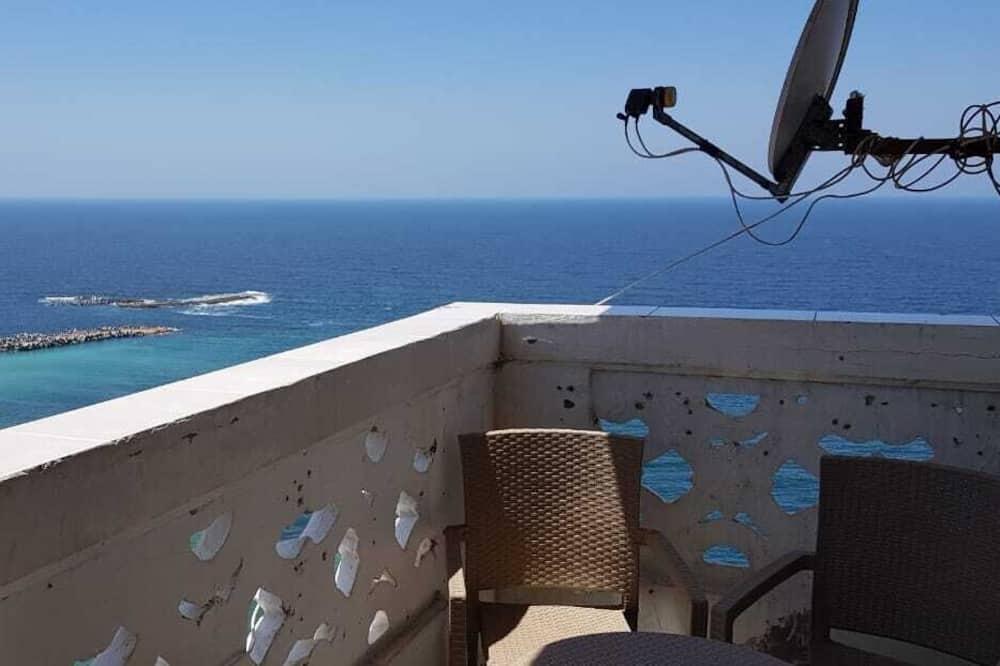 luxury apartment CBD beach view Hilton, Alexandria
