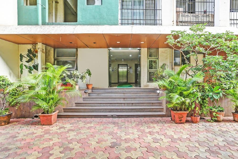 Treebo Trend Bandra Apartments