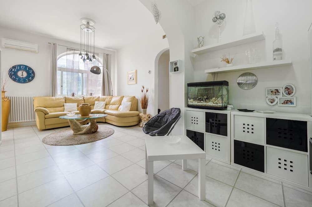 City Villa - Living Area