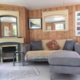 Chalet, 2 Double Beds - Living Room