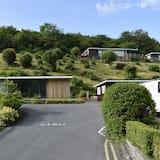 Cosy, Modern Chalet Caswell, Gower Peninsula, Swansea