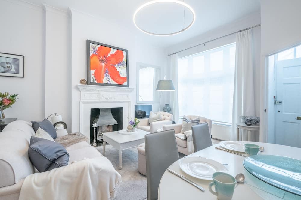 Standartinio tipo namas (2 Bedrooms) - Svetainė