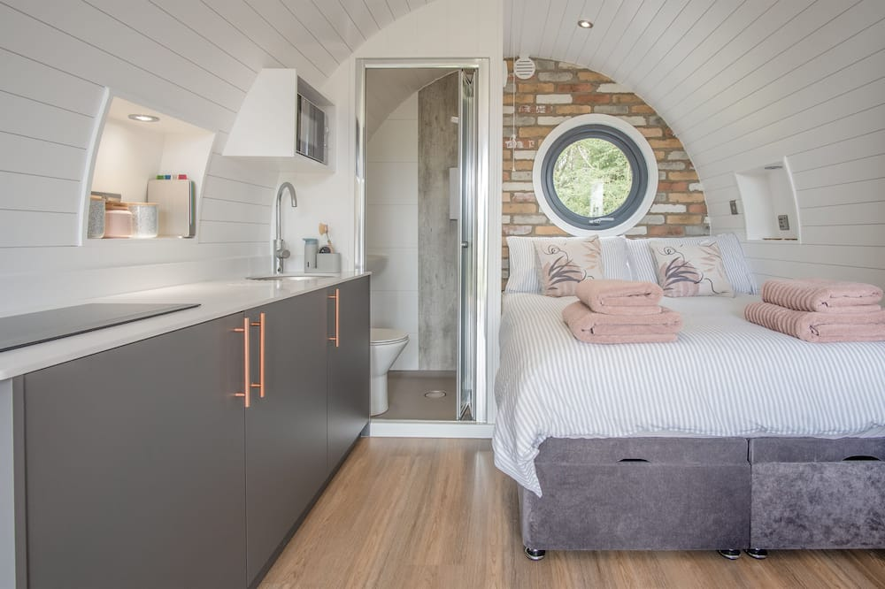 Luxury Cabin - Living Area