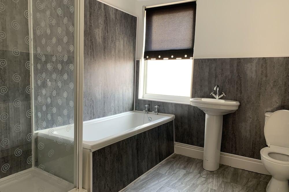House, Private Bathroom (Seaside Cove) - Bathroom