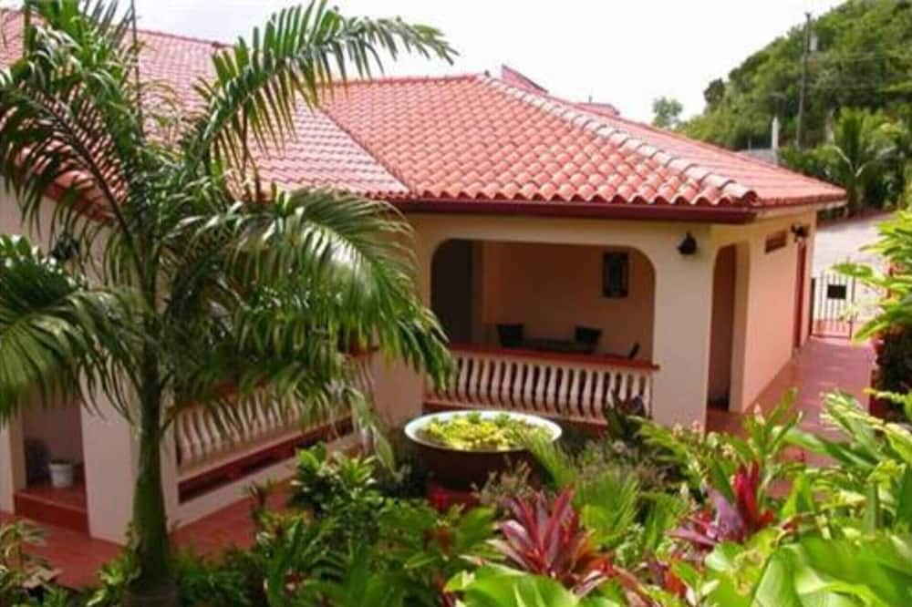 House, Multiple Beds - Garden