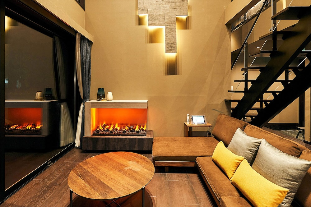 Pamatklases villa, nesmēķētājiem (North Wing/Massage Chair) - Dzīvojamā istaba
