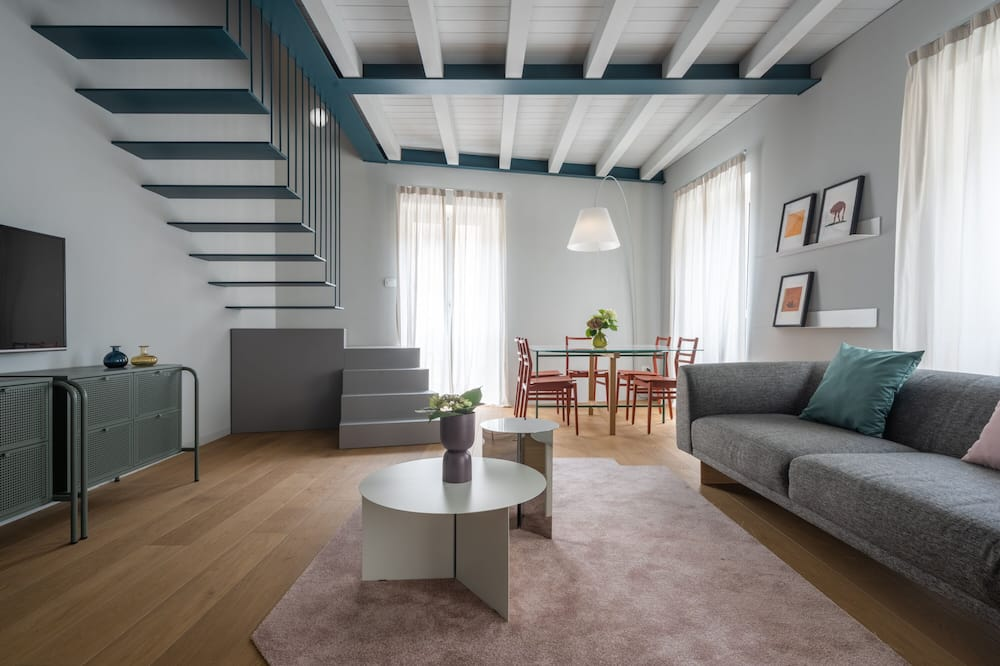 Bluemoon Apartments R&R