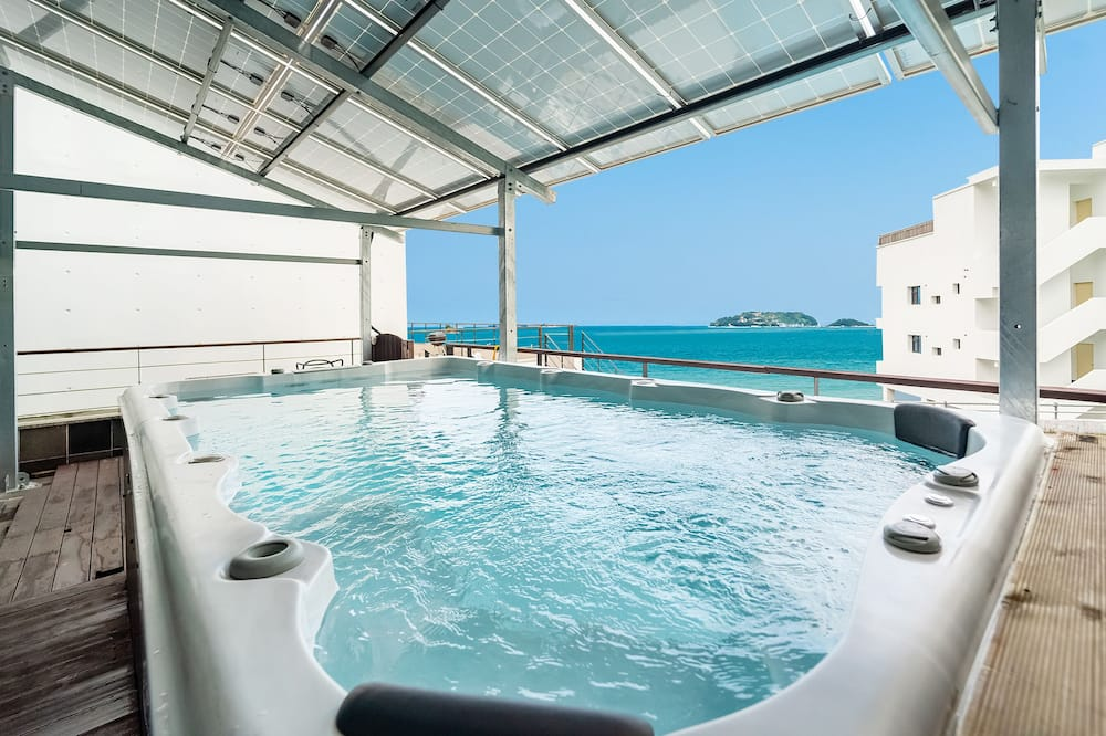 #203 (Two Beds, Barbeque) - Private spa tub