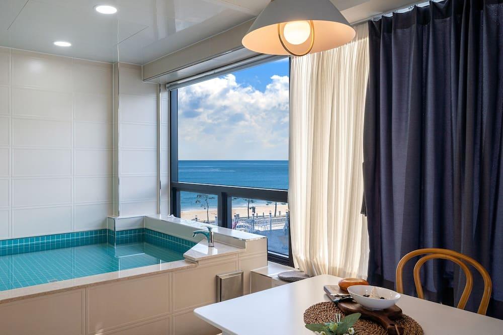 Deluxe Pool Villa 303 - Private pool
