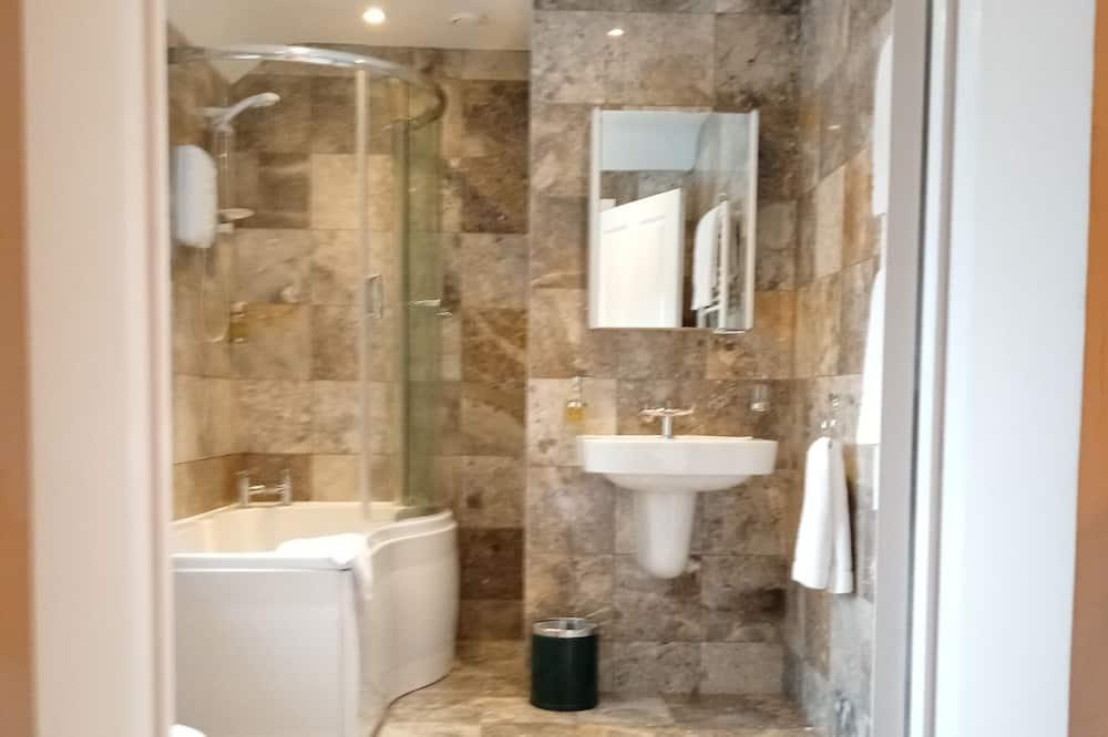 Superior apartman, privát fürdőszoba, kilátással a kertre - Fürdőszoba