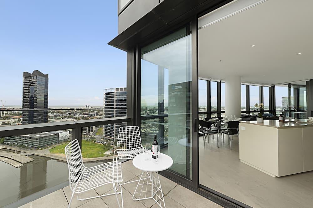 Deluxe Apartment, 3 Bedrooms - Balcony