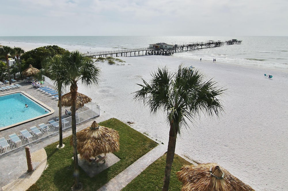 Sea Oats 307 by Teeming Vacation Rentals